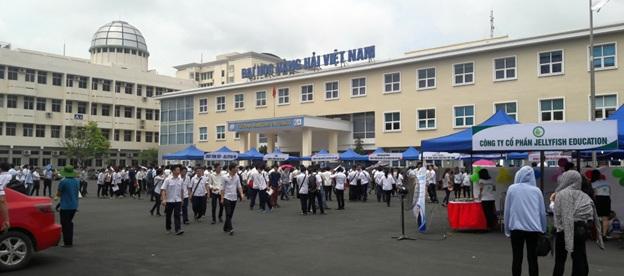 ngày hội việc làm tại đại học hàng hải