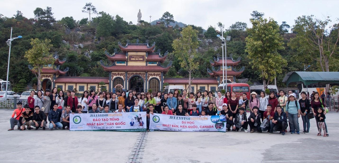 Hình ảnh: Toàn cảnh buổi cắm trại tại hồ Yên Trung – Quảng Ninh với sự góp mặt của gần 200 học viên