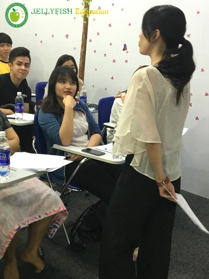 Cô Suzuki chia sẻ những kỹ năng cần thiết khi tới Nhật