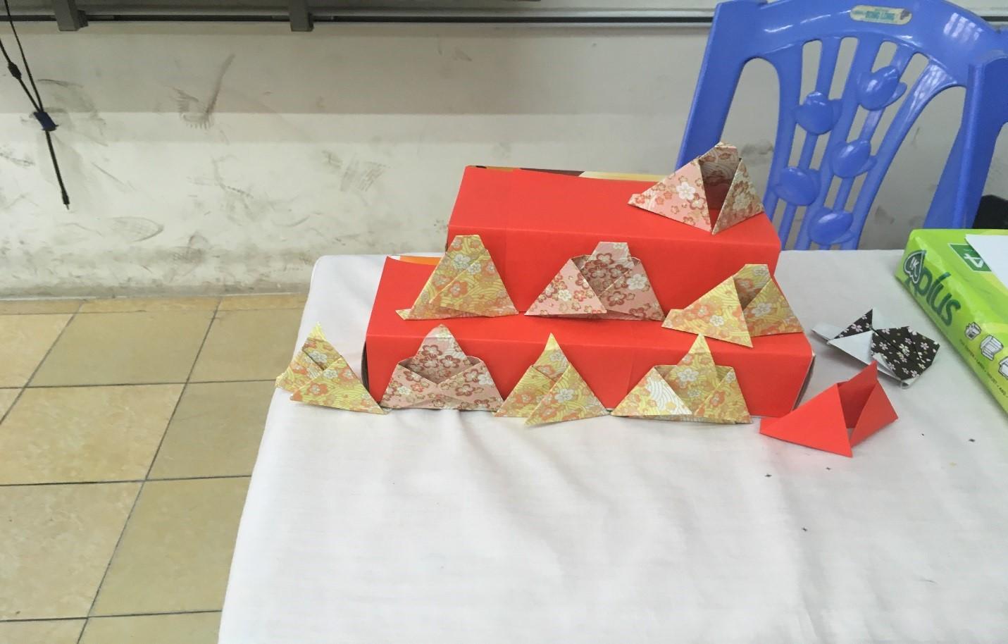 Hình ảnh: Mô hình búp bê Nhật Bản bằng Origami
