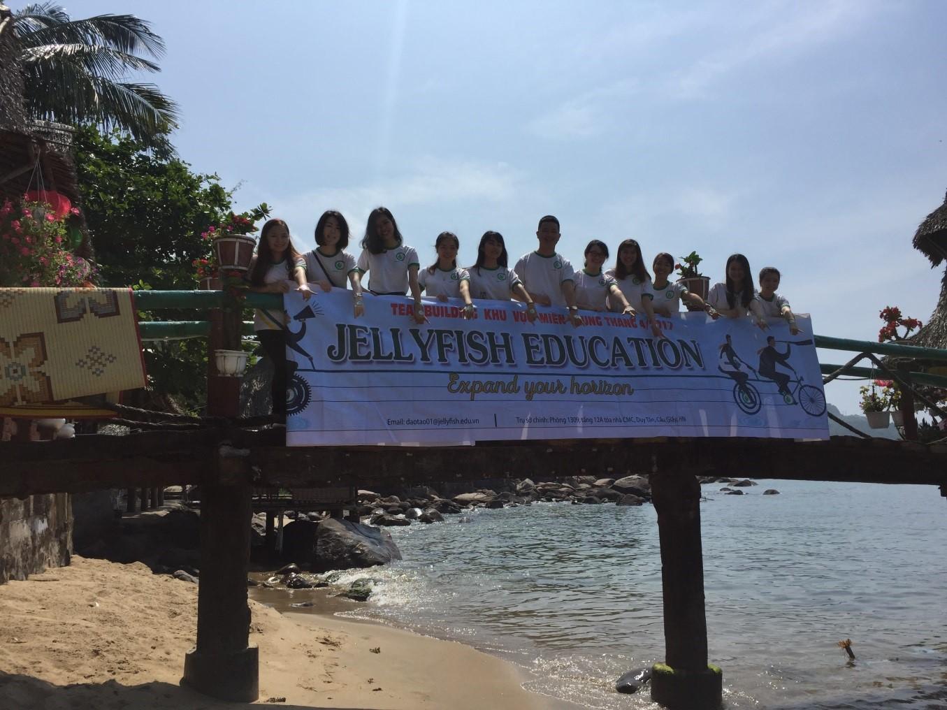 Jellyfish Miền Trung (Huế, Đà Nẵng)