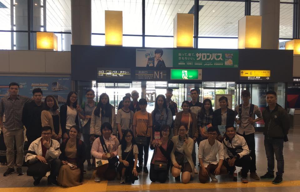 Hình ảnh: Hỗ trợ du học sinh tại sân bay
