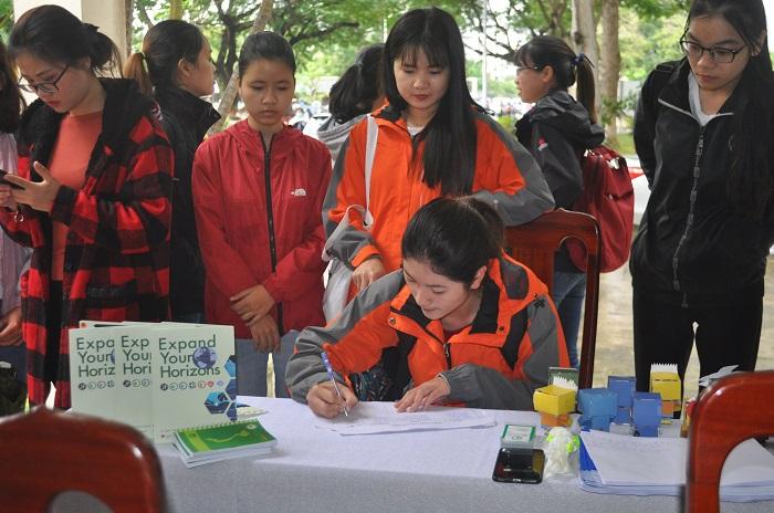 Định hướng việc làm chính thức tại Nhật Bản cho Sinh viên Đại học Kinh tế Đà Nẵng - Ảnh 2