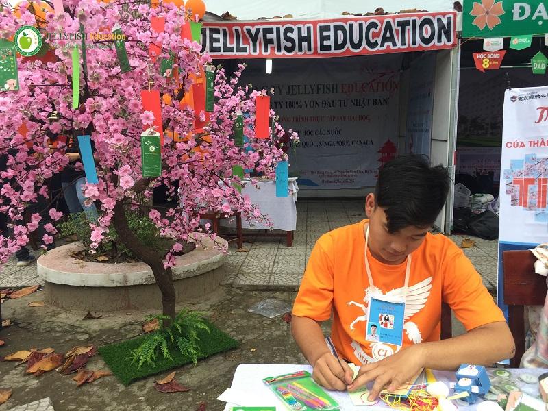 Ngày hội văn hóa dân gian tại trường THPT Nguyễn Thượng Hiền - Ảnh 4