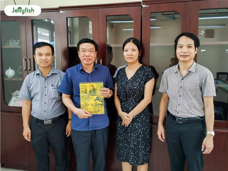 Buổi làm việc với Trường THPT chuyên Đại học Sư phạm Hà Nội