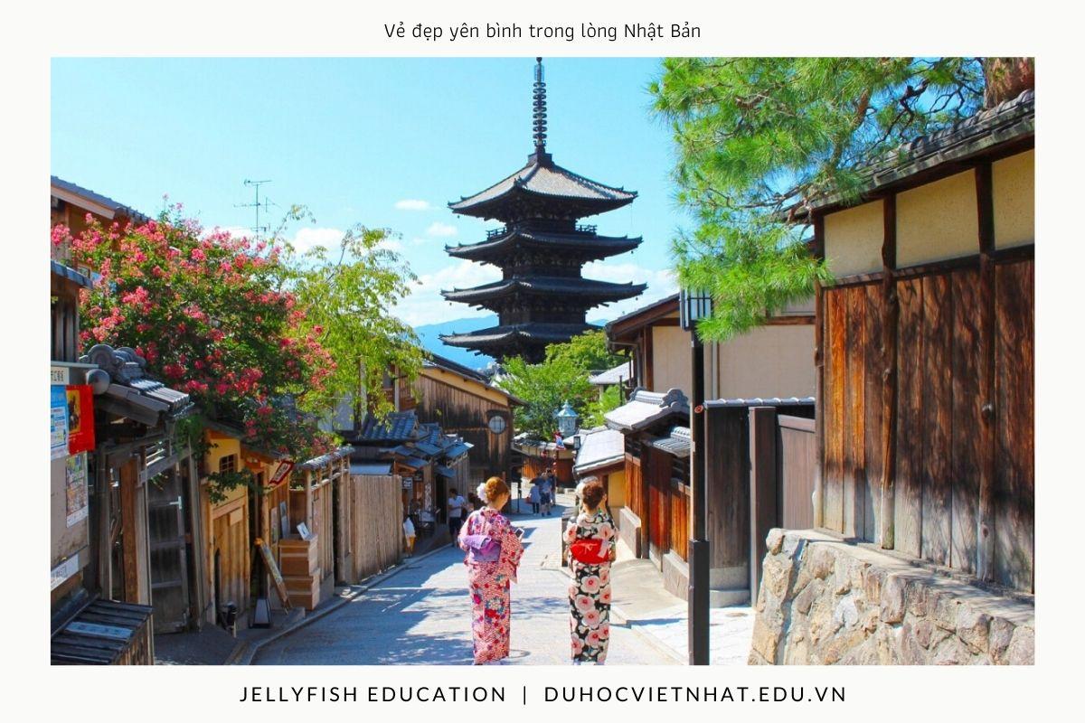 Vẻ đẹp yên bình trong lòng Nhật Bản