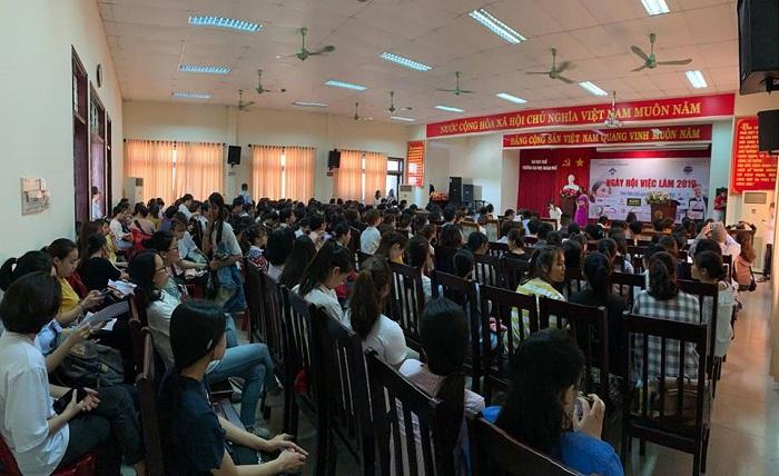Ngày hội việc làm tại Huế