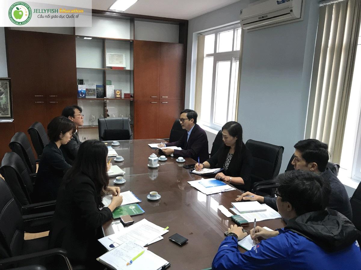 Tỉnh đoàn Toyama gặp gỡ và làm việc với Lãnh đạo Khoa Y Dược - Đại học Quốc gia Hà Nội