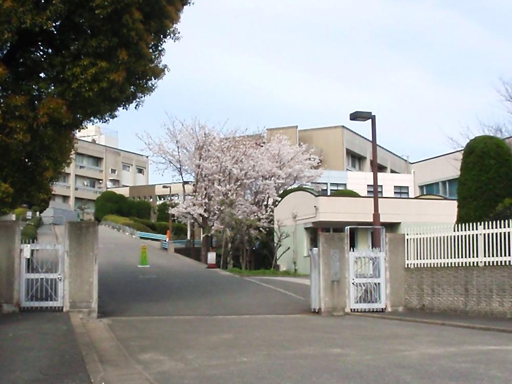 Trường chuyên môn ngoại ngữ Fukuoka